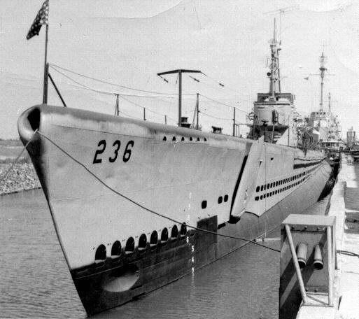 El juego de las imagenes-http://www.submarinesailor.com/Boats/Reserve/silversides236.jpg